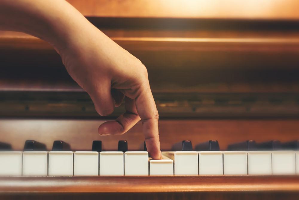 dedo-piano.jpg
