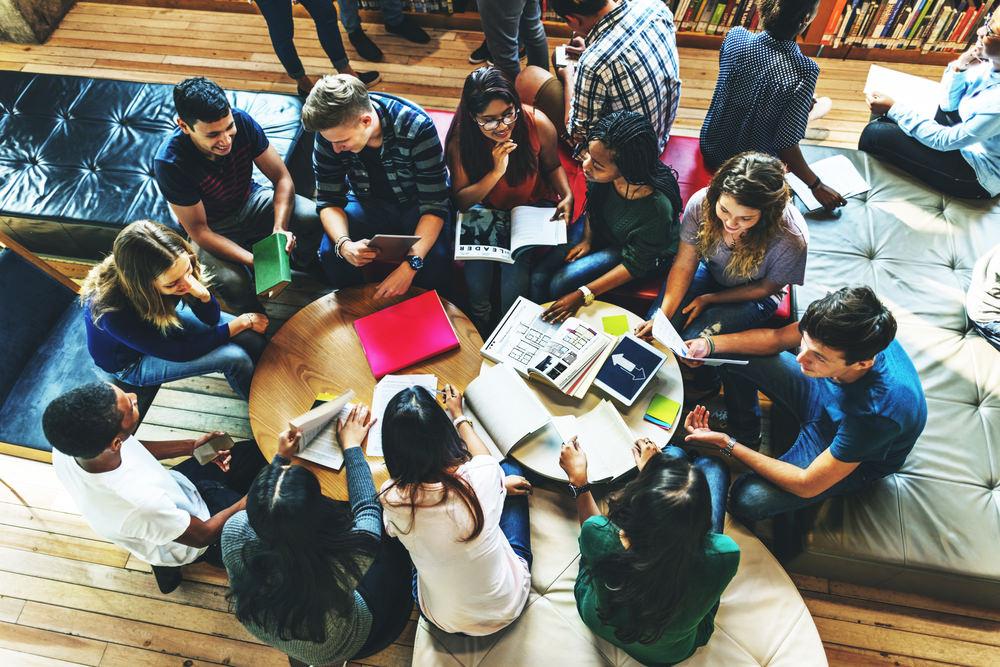 estudiantes-becas.jpg