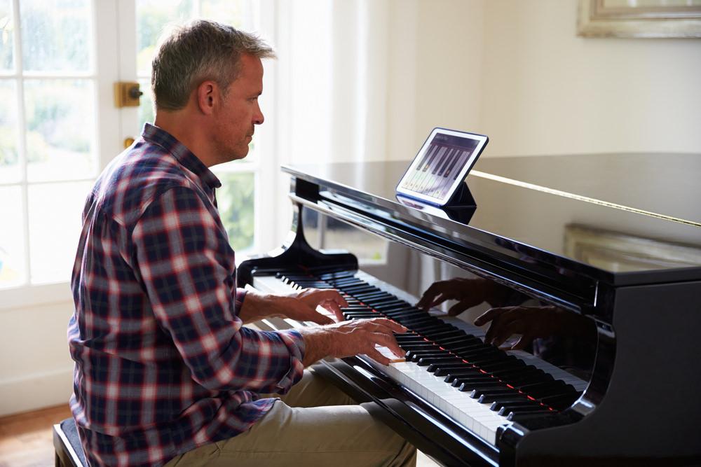 hombre-piano.jpg