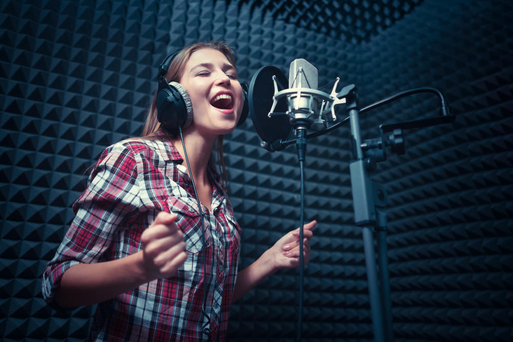 mujer-cantando.jpg
