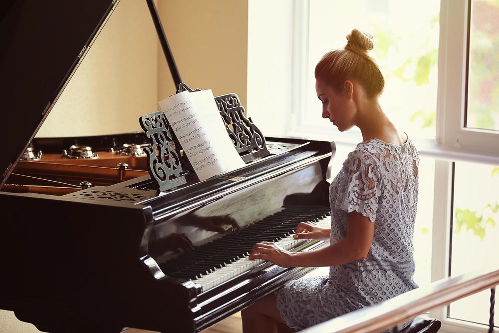 mujer-piano.jpg